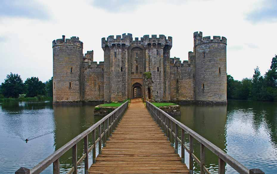 Bodiam castle in east sussex england images 31