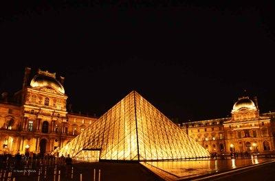 Musée du Louvre by Scott D Welch