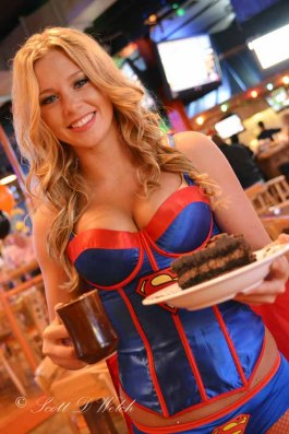 Halloween Hooters Super Girl