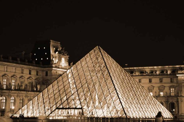 Musee du Louvre sepia